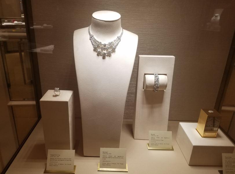 princess-grace-jewelry-display